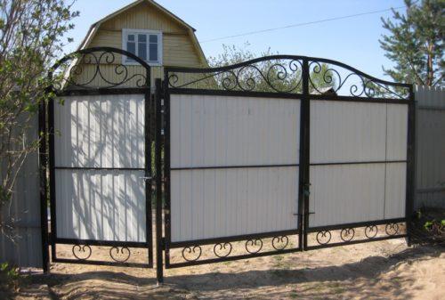 Забор и ворота из профнастила